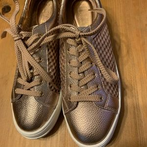 Rose gold leather sneakers NEW